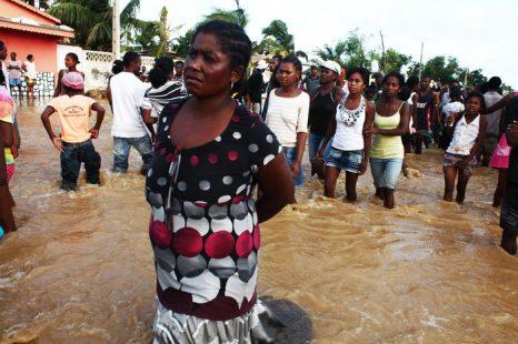 На Мадагаскаре в результате тропического циклона погибли 10 человек. Фото: ANDREEA CAMPEANU/AFP/Getty Images