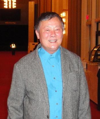 Известный активный борец за права человека Вэй Цзиншэн в Кеннеди-центре в Вашингтоне, округ Колумбия, 29 января, после просмотра Shen Yun. Фото: Le Hai/The Epoch Times