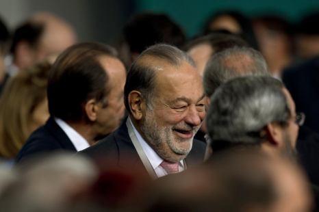 Карлос Слим (S). Фото: YURI CORTEZ/AFP/Getty Images