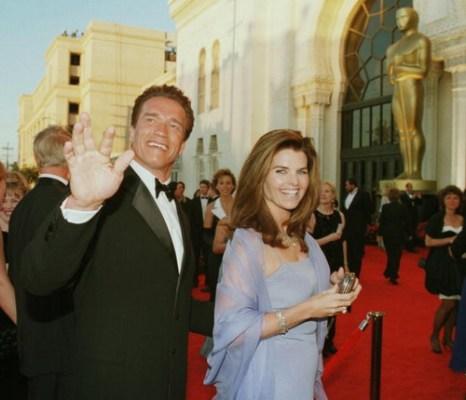 Арнольд Шварценеггер с супругой Марией Шрайвер на церемонии вручения «Оскаров». 1998 год. Фото: HECTOR MATA/AFP/Getty Images