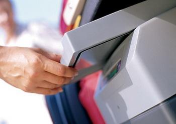 Автомобильная сумка-холодильник – эффективное и недорогое решение. Фото: dgline.ru
