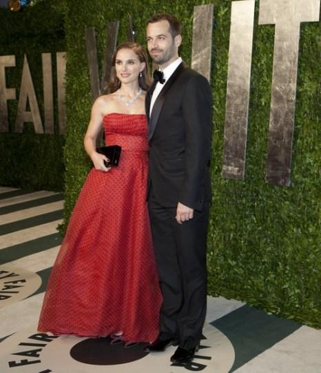Natalie Portman  и её муж Benjamin Mil. Фото: ADRIAN SANCHEZ-GONZALEZ/AFP/Getty Images
