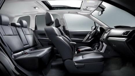 По сравнению с предыдущей моделью, салон Subaru Forester 2014 стал просторнее. Фото: Subaru Canada