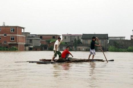 Наводнения в Китае. Июнь 2010 год. Фото STR/AFP/Getty Images