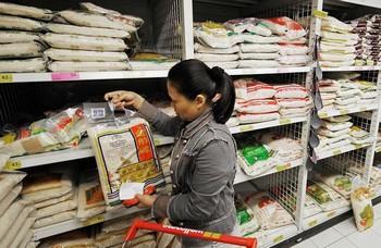 Китайские продукты опасны для здоровья. Фото: MIKE CLARKE/AFP/Getty Images