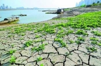 Засуха в провинции Цзянси. Ноябрь 2010 год. Фото с epochtimes.com