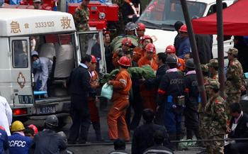 За два дня в Китае произошло 4 аварии на шахтах, погибло 38 человек. Фото: AFP
