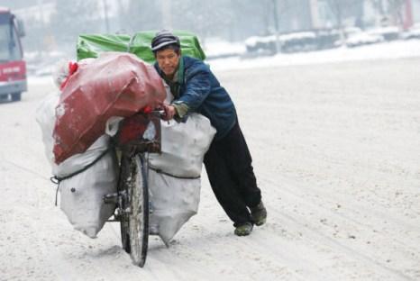 Южные провинции Китая страдают от сильных снегопадов и обледенения. Фото: Getty Images