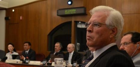 Консервативный депутат Терренс Юн принимает участие в форуме по кризису, который переживает китайский режим. Фото: Мэтью Литтл/Великая Эпоха (The Epoch Times)