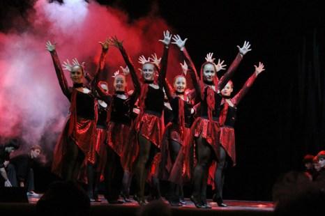 Ансамбль современного танца «Данс» дворца культуры «Современник». Фото: Нина Апёнова/Великая Эпоха (The Epoch Times)