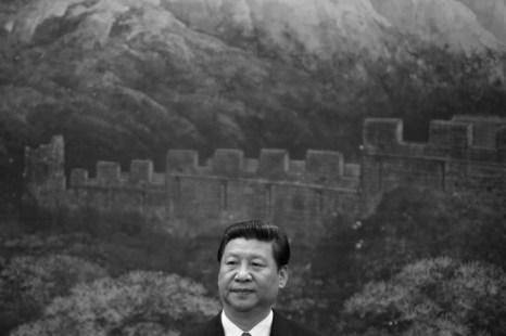 Лидер коммунистической партии Китая Си Цзиньпин в Большом народном зале, 6 мая 2013 года, Пекин. Фото: Jason Lee-Pool/Getty Images