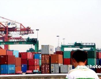 На намеки властей «США – враг нашей экономики», у народа Китая есть 10 вопросов. Фото: ce.cn