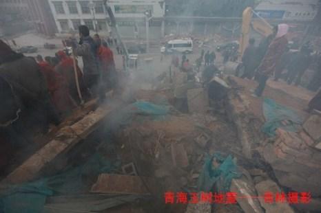 Фото с пострадавших от землетрясения районов. Провинция Цинхай. 15 апреля 2010 год. Фото c epochtimes.com