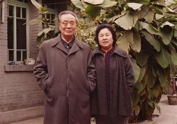 Мать и отец художника Ай Вэйвэя. Фото с epochtimes.com