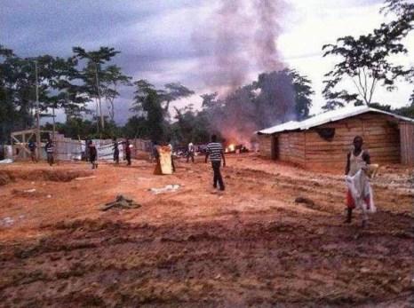 Власти Ганы сжигают технику и хижины китайских мигрантов. Июнь 2013 года. Фото с epochtimes.com