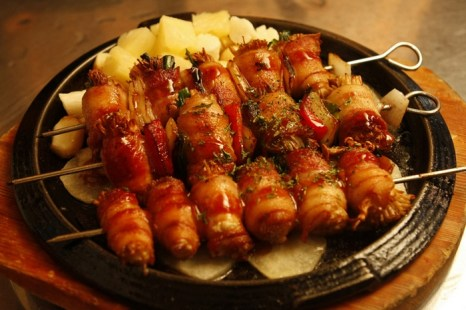 «Говяжьи» шашлыки в Китае делают из свинины и птицы. Фото с epochtimes.com
