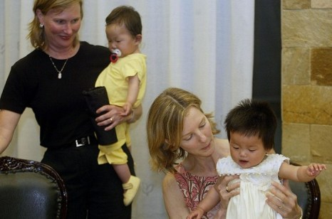 Американцы усыновили более 100 тысяч китайских детей. Фото: PETER PARKS/AFP/Getty Images
