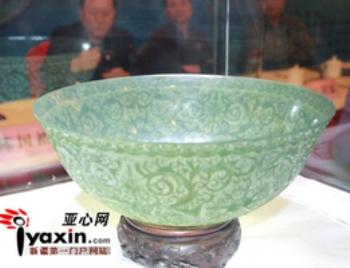 В Книгу рекордов Гиннеса внесена самая тонкая нефритовая чаша из Китая. Фото: epochtimes.com