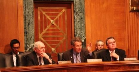 Исполнительная комиссия Конгресса США по Китаю рассматривает проблему китайских кибер-атак, 25 июня 2013 года. Фото: CECC