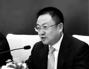 Ма Цзюньфэй, бывший заместитель начальника железнодорожного управления Хух-Хото во Внутренней Монголии, часто ломал голову, как скрыть все деньги, полученные в виде взяток. Фото: weibo.com