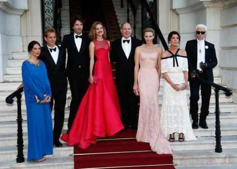 Ежегодный благотворительный Love Ball RIVIERA, ведущей которого стала знаменитая российская манекенщица Наталья Водянова, состоялся на днях в Монте-Карло. Фото: VALERY HACHE/AFP/Getty Images