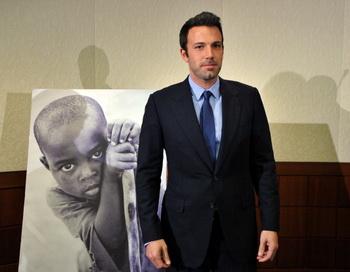 Американский актер Бен Аффлек прибыл на дискуссию с экспертами по вопросу, что может быть сделано для усиления внешней политики США в Демократической Республике Конго. Вашингтон, 30 ноября 2010 года. Фото: JEWEL SAMAD/AFP/Getty Images
