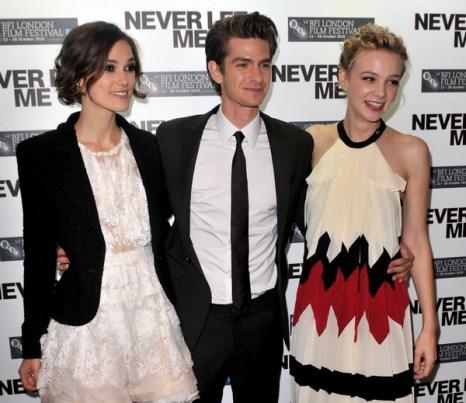 «Не отпускай меня». Актеры Кира Найтли, Эндрю Гарфилд и Кэри Маллиган во время Лондонского кинофестиваля. Фото: Samir Hussein/Getty Images