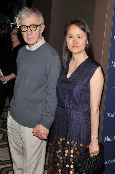 «Полночь в Париже». Вуди Аллен с супругой Сун-И Превин на показе фильма «Полночь в Париже» в Нью-Йорке. Фото: Stephen Lovekin/Getty Images