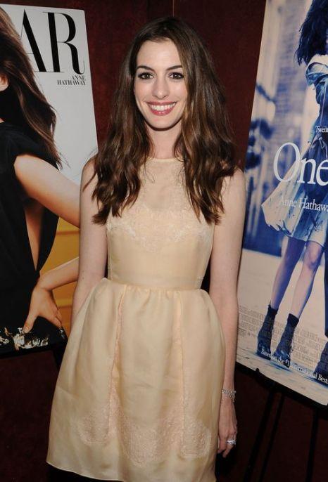 «Идеи для платья к выпускному от кинозвезд». Энн Хэтэуэй. Фото: Larry Busacca/Getty Images