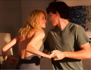 «Тайное влечение». Наоми Уоттс и Джеймс Фрешвилл в фильме «Тайное влечение». Фото с сайта kino-teatr.ru