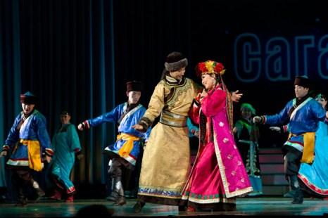 Бурятские звёзды представили «Сагаан hараар! Сагаалганаар!» в Иркутске. Фото: Николай Ошкай/Великая Эпоха (The Epoch Times)