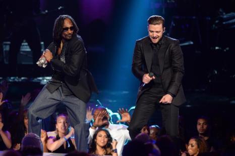 Snoop Dogg и Джастин Тимберлейк на церемонии вручения премии BET Awards в Лос-Анджелесе 13 июня 2013 года. Фото: Mark Davis/Getty Images for BET