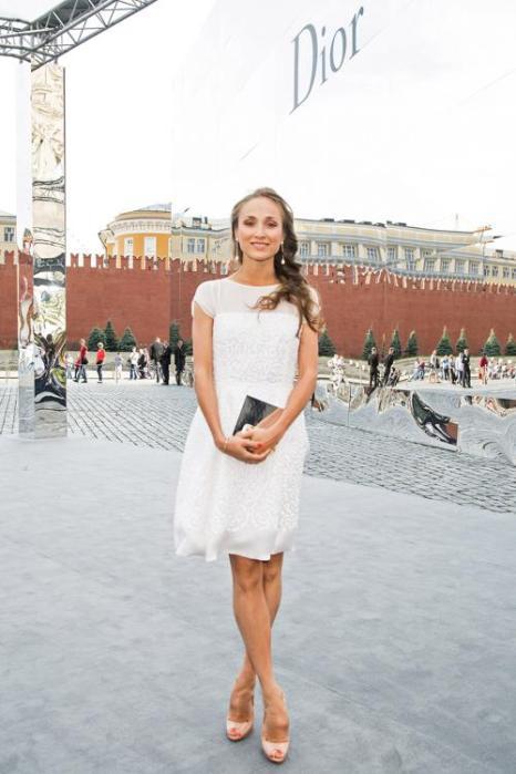 Балерина Екатерина Шипулина посетила закрытый показ Christian Dior на Красной площади в Москве 9 июля 2013 года. Фото: Victor Boyko/GettyImages for Dior