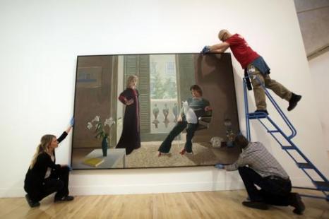 Картина Дэвида Хокни «Мистер и миссис Кларк и их кот Перси» на выставке национальной коллекции британского искусства в Тейте в Лондоне. Фото: Warrick Page/Getty Images