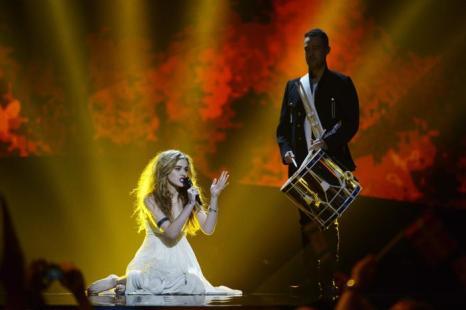 Эммили де Форест из Дании выступает в первом полуфинале Евровидения-2013 в Мальмё. Фото: Janerik Henriksson / SCANPIX/AFP/Getty Images