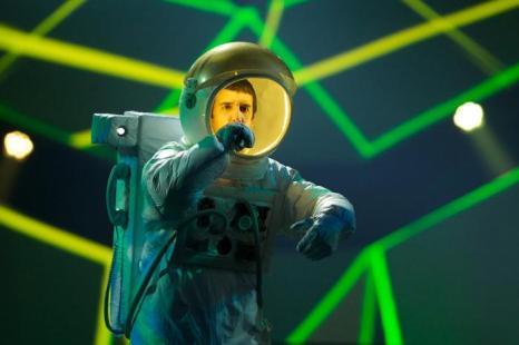 Рэп-дуэт Who see из Черногории выступает в первом полуфинале Евровидения-2013 в Мальмё. Фото: Janerik Henriksson / SCANPIX/AFP/Getty Images