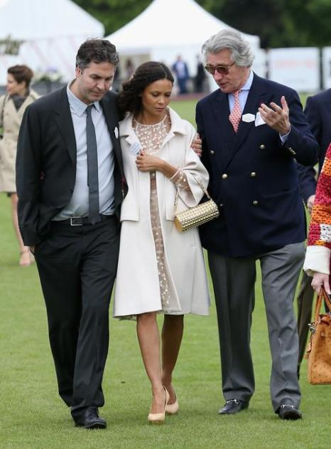 Арно М. Бамбергер, Тэнди Ньютон и Оливер Паркер посетили королевский турнир по поло. Фото: Chris Jackson/Getty Images
