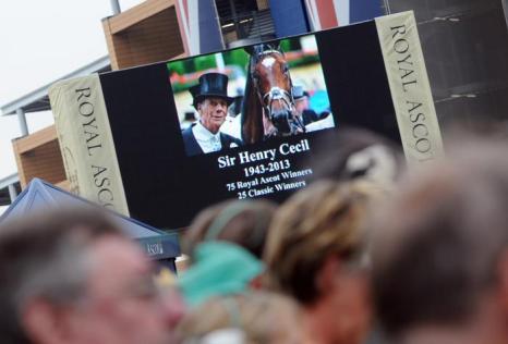 Минута молчания в память сэра Генри Сесила. Фото: Eamonn M. McCormack/Getty Images