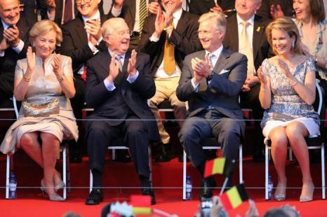Королева Паола и Король Бельгии Альберт II, принц Бельгии Филипп и принцесса Матильда прибыли на праздник в честь отречения и коронации в Брюсселе (Бельгия) 20 июля 2013 года. Фото:  Mark Renders/Getty Images