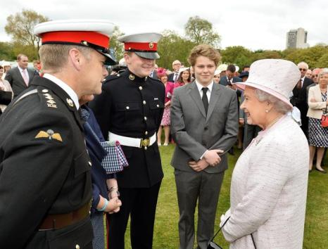 Королевская семья Великобритании посетила приём в саду Букингемского дворца. Фото: John Stillwell - WPA Pool/Getty Images