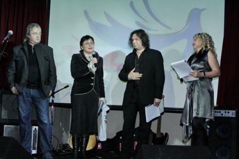 Юрий Давыдов, Школьникова Мария Александровна, Шевченко Александр и Наталья Давыдова. Фото предоставлено PR агентством Diamond Group