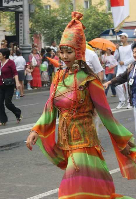 Карнавальное шествие в Красноярске.  Фото: Андрей Горлов /Великая Эпоха (The Epoch Times)