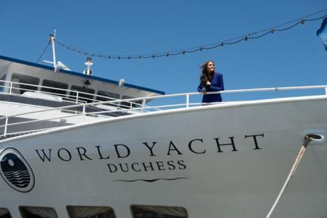 Мисс Вселенная готовится отметить 21-летие под парусами яхты. Фото: Andrew H. Walker/Getty Images