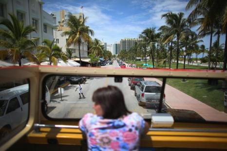 Экскурсия по Южному пляжу Майями во Флориде 15 августа 2013 года. Фото: Joe Raedle/Getty Images