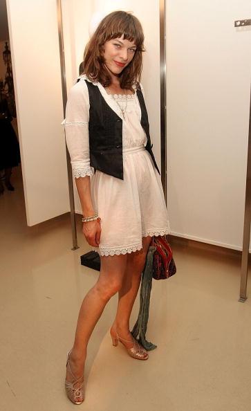 Милла Йовович — актриса, модель и просто мама. Фоторепортаж. Фото: Getty Images