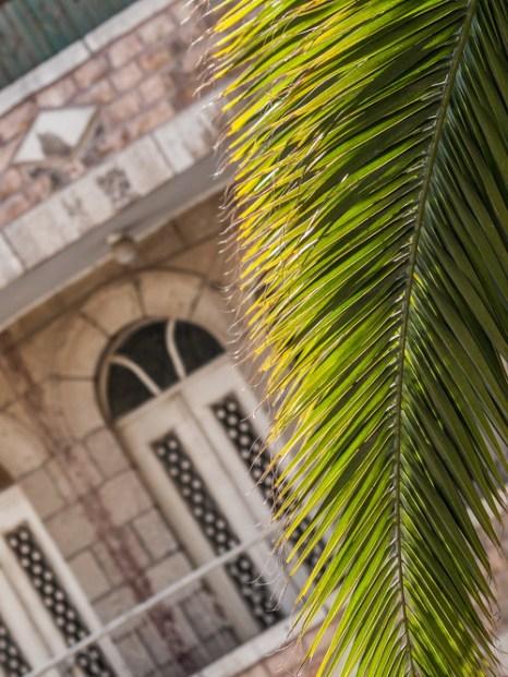 По Старому городу в будний день. Фото: Хава Тор/Великая Эпоха (The Epoch Times)