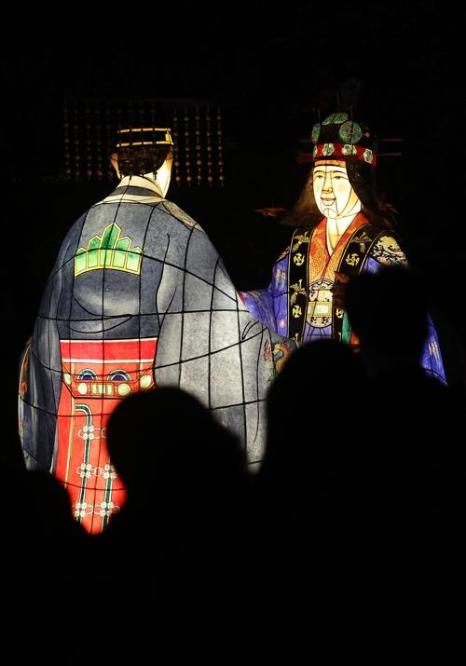 Фестиваль фонарей традиционно стартовал в южнокорейской столице Сеуле 12 ноября 2013 года. Фото: Chung Sung-Jun/Getty Images