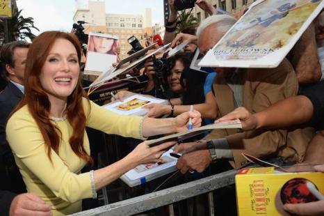 Одна из самых востребованных актрис Голливуда Джулиана Мур получила собственную звезду на голливудской «Аллее славы» 3 октября 2013 года. Фото: Mark Davis/Getty Images
