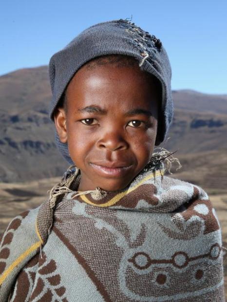 Открытие новой школы, основанной фондом принца Гарри, прошло в южноафриканском государстве Лесото 14 октября 2013 года. Фото: Chris Jackson/Getty Images