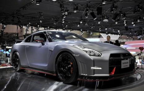 Компания Nissan представила GT-R Nismo на открывшемся 20 ноября 2013 года автосалоне в Токио. Фото: Keith Tsuji/Getty Images